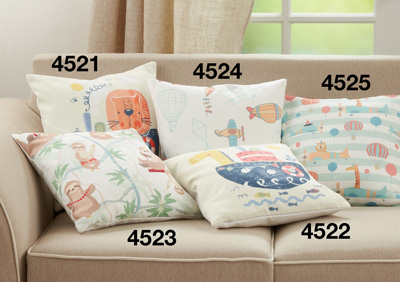 4525 Animals Flying Pillow