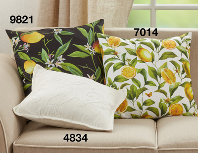 7014 Lemons Outdoor Pillow
