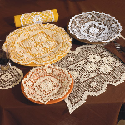 3004 Tuscany traycloths and placemats