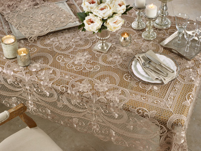 1738 All Over Lace Tablecloth