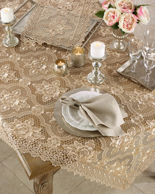 1819 All Over Lace Tablecloth