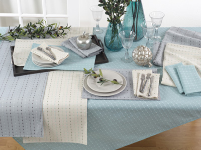 2136 stitched line tablecloth