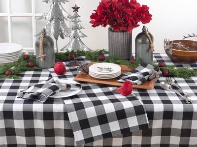 Saro 5026 Plaid Design Tablecloth