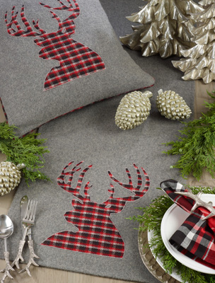 9647 Plaid Reindeer Runner