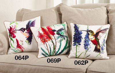 069P hummingbird pillow