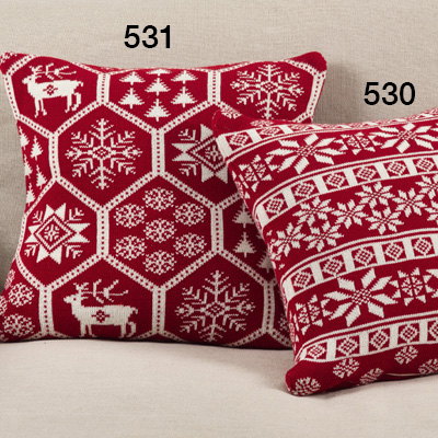 531 knitted christmas pillow