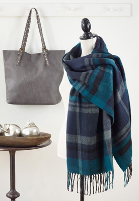 S232 plaid scarf