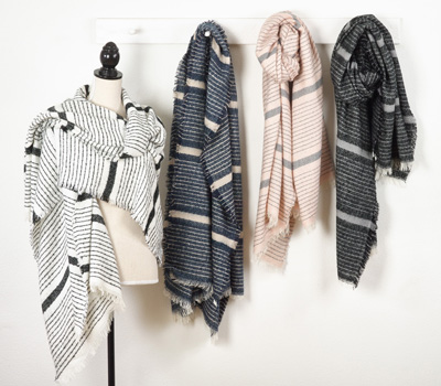 S662 striped + lined scarf