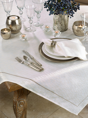 4009 Hemstitched Design Tablecloth
