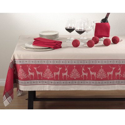 6811 Holiday Reindeer Tablecloth