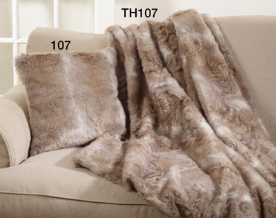 TH107 fax fur throw