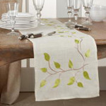 5209 Embroidered Vine Runner