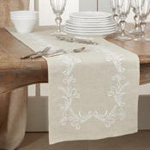 9521 Embroidered Runner