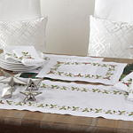 178 holiday holly napkin