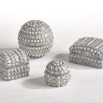 HA722 studded pearl jewelry box