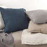 10036 l'excellence pillows