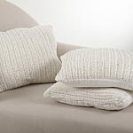 1312 darcy knitted pillow