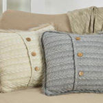 1388 faux fur trim button knit pillow