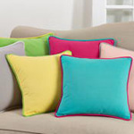 1653 solid pillow with piping