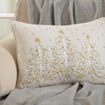 4126 embroidered christmas tree pillow