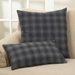4318 plaid pillow