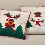 437 applique reindeer pillow