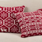 530 knitted christmas pillow