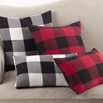 9025P buffalo plaid pillow