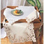 02250 cutwork placemats
