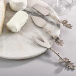 SP702 pine cone cheese cutlery