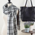 S324 plaid scarf