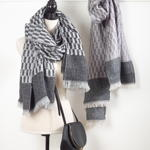 S710 checkered scarf