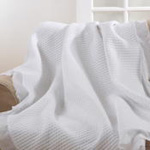 TH170 quilted ruffle trim throw