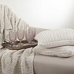 TH312 darcy knitted throw