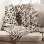 551 chunky knit pillow