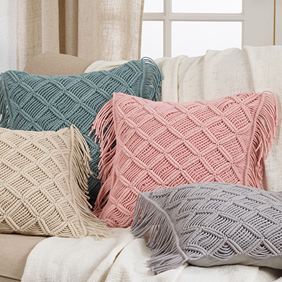 5148 macramé pillow